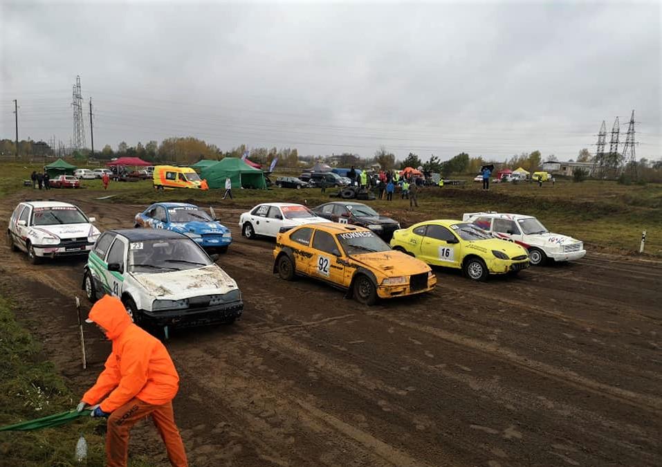 Autokross/Folkreiss: Daugavpils rudenī uzvar Bajārs un Špels